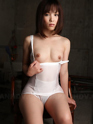 Hot follower groupie Arisa Suzuki shows the brush magic titties | Japan HDV