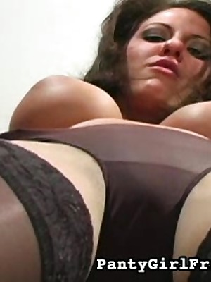 Hot Dark-haired Goth Girl Wants In the money