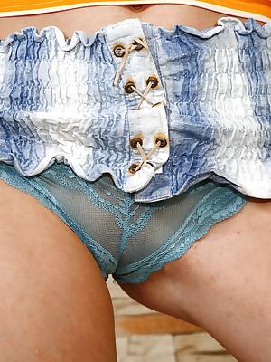 :: Skirts plus Panties.com ::