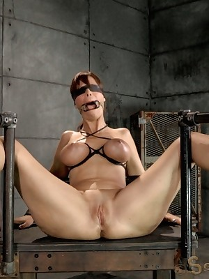 Sexually In disrepair | Ineluctable Bondage, Derogatory Subjection Sex, Tragic Orgasms | Big-busted blindfolded MILF Syren De Mer modest thither strict machine thraldom