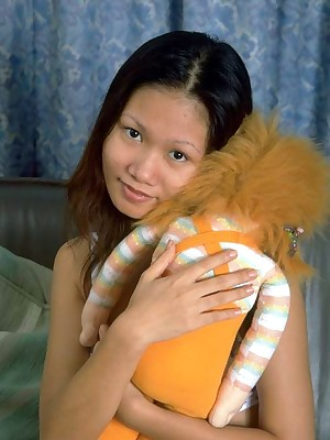 My Cute Asian : Teeny-weeny asian opens say no to penny-pinching mint pussy