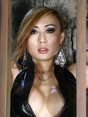 VenusLux-Venus Lux Is A Shemale Deity Pictures